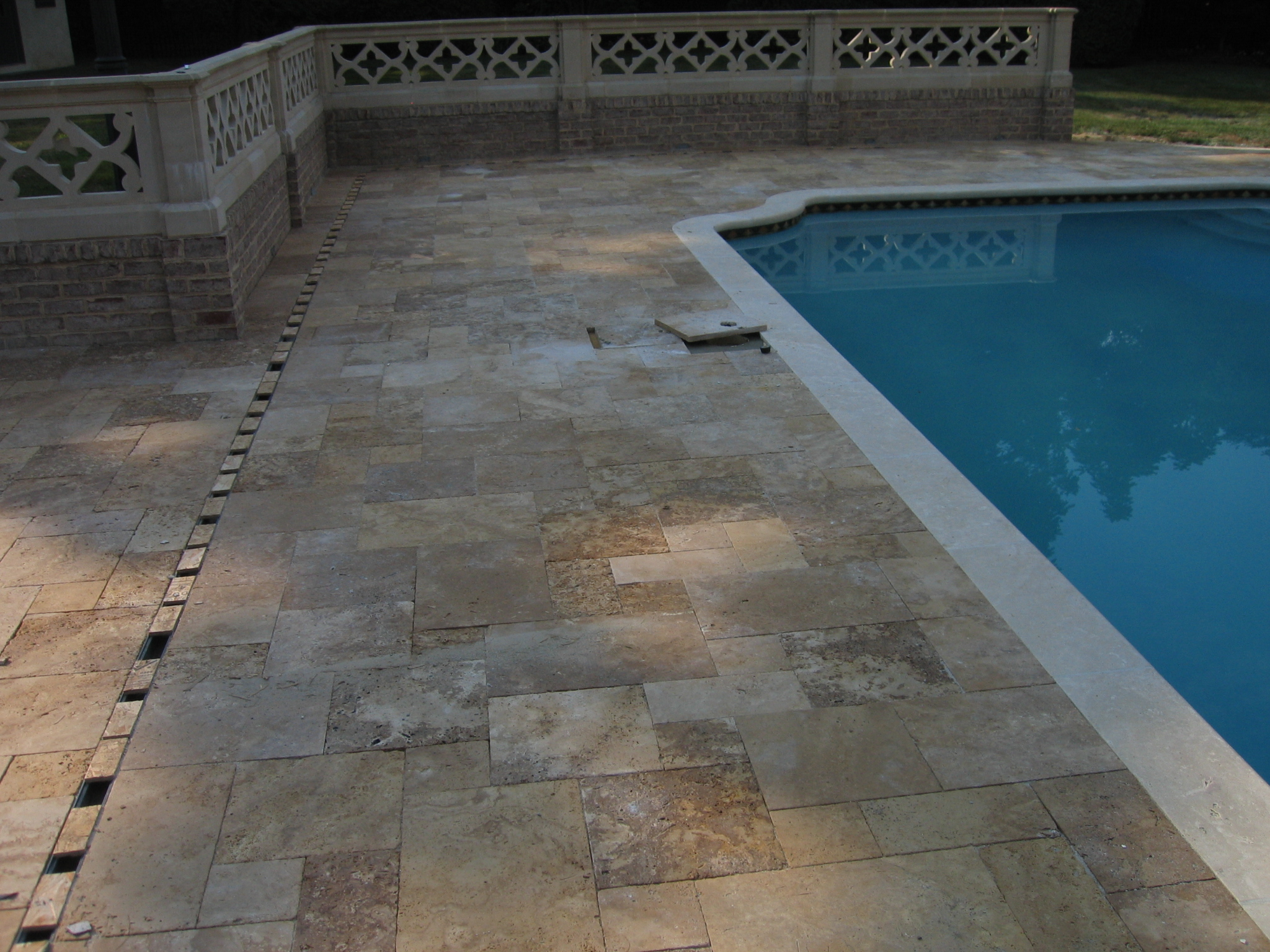 Gothicstone Noce™ & Cream Travertine French Pattern Tumbled